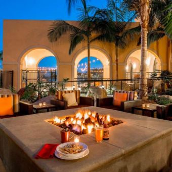 Fire Pit at Courtyard by Marriott San Diego Airport / Liberty Station