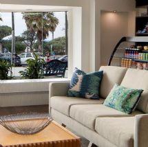 La Jolla Cove Suites